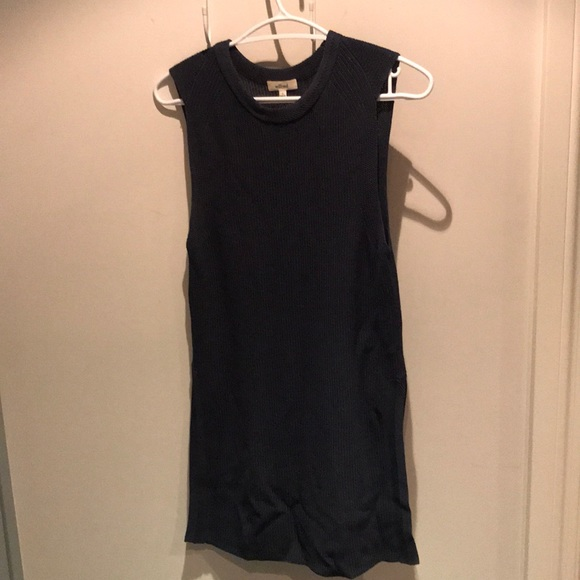 Aritzia Wilfred knit top with side vents